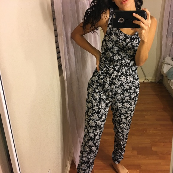 Forever 21 Pants Jumpsuits Forever 2 Black And White Casual Jumpsuit Poshmark
